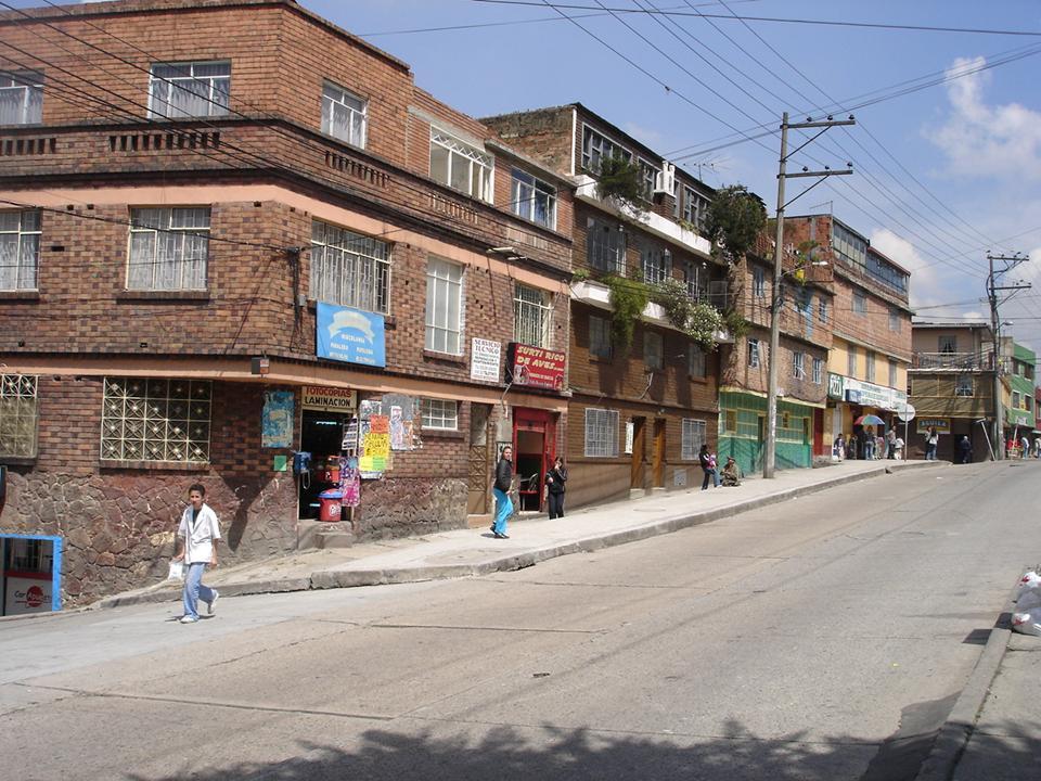 De droga pandillismo juvenil y atraco son los principales for Barrio ciudad jardin norte bogota