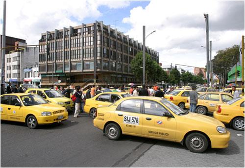 ... actualiza el Pacto de Seguridad y Movilidad de los taxistas bogotanos